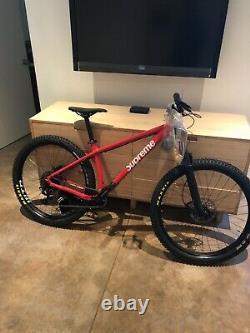 Brand New Supreme FW18 Santa Cruz Chameleon Mountain Bike Size Medium